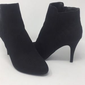 Women's Sz 8 Dexflex Comfort Heeled Booties